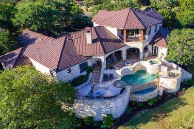 Luxury Homes & Ranches